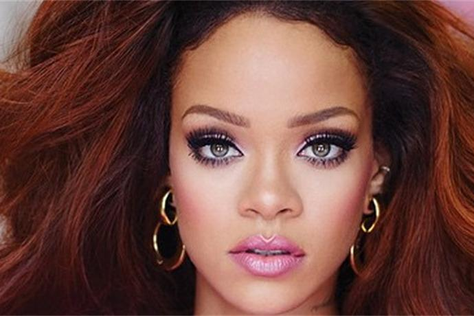 Rihanna Is an Absolute Doll in Her New Perfume Ad_3656123985462184207