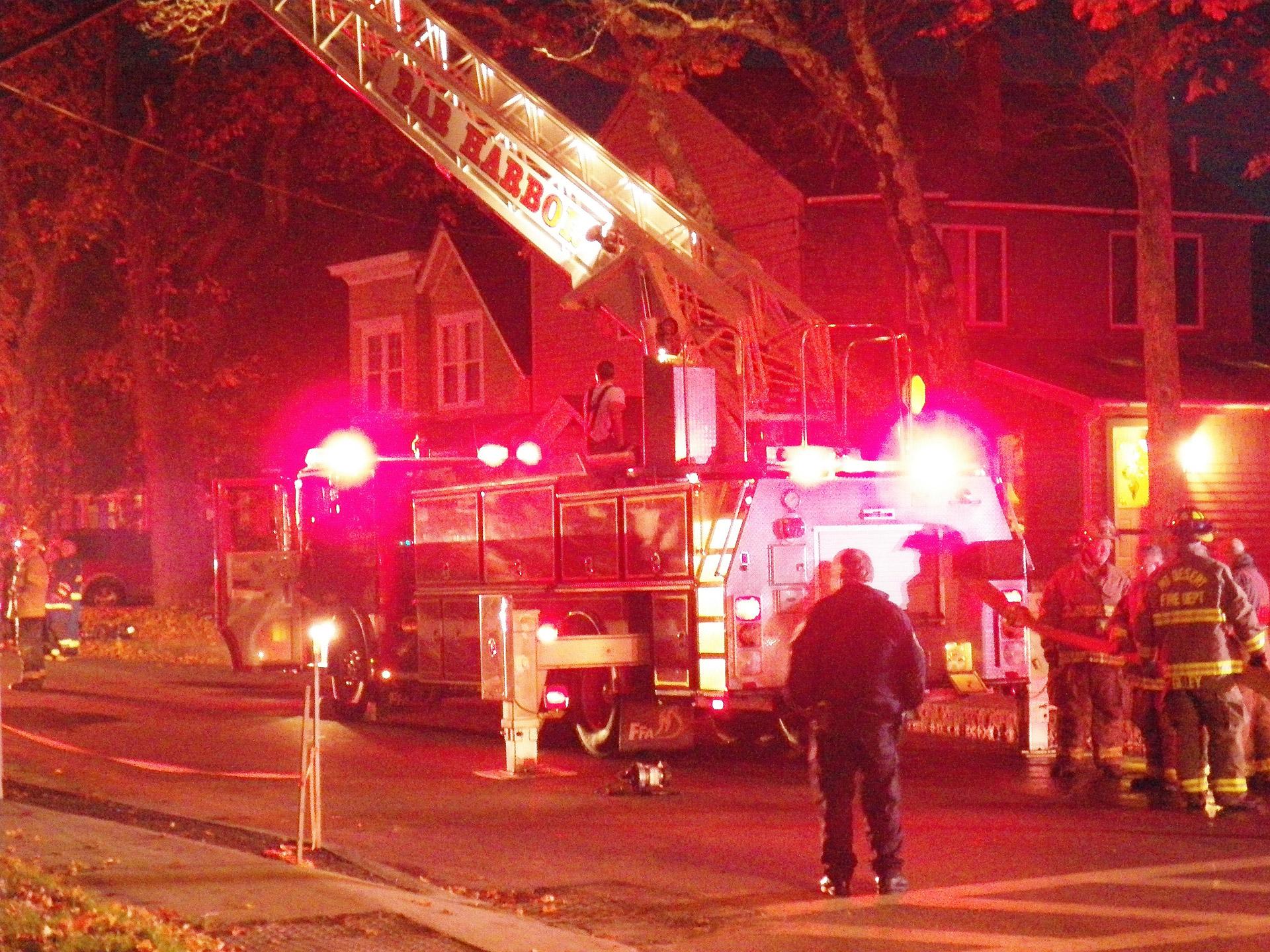 fire-truck-1351439517ffS_1488377149647.jpeg