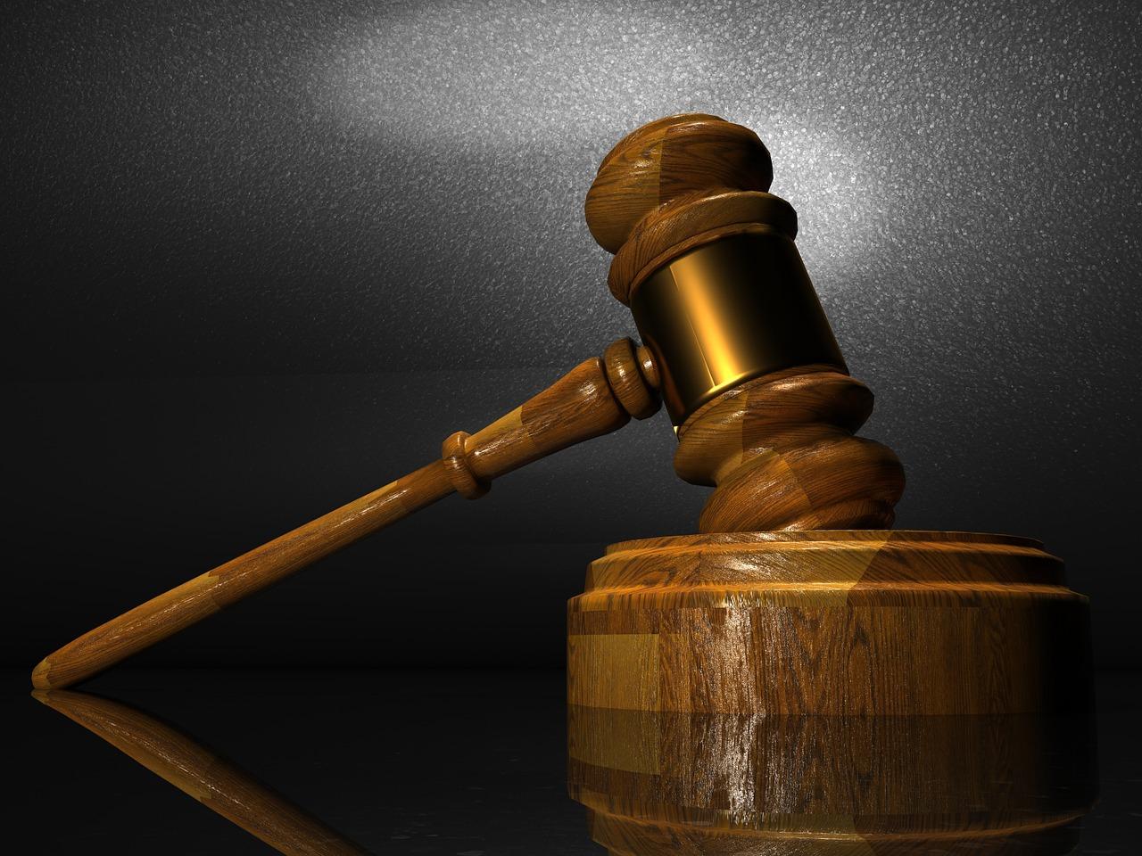 law-1063249_1280_1488471928541.jpg