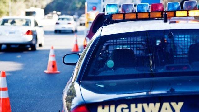 highway patrol police car cop_2835537020499694-159532