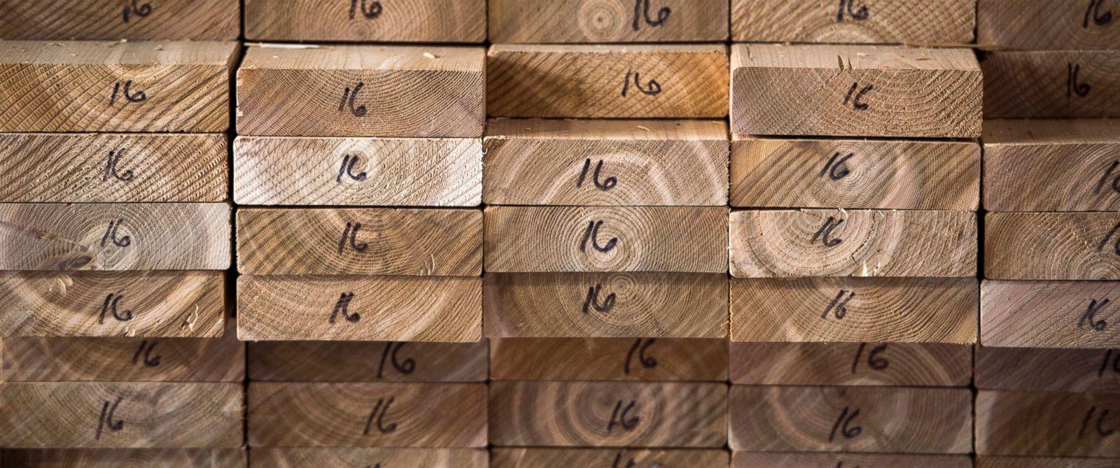 AP-canada-lumber-jef-170425_12x5_1600_1493151393227.jpg