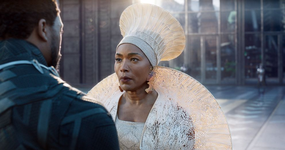 black-panther-angela-bassett-ht-jc-180723_hpEmbed_19x10_992_1532526247827.jpg
