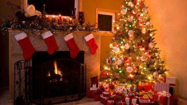 christmas-stockings-fireplace-holiday-christmas-tree_1513899484101_325387_ver1-0_30462887_ver1-0_640_360_38435272_ver1.0_640_360_1540386620077.jpg