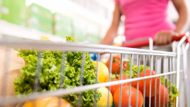 grocery-cart-filled-with-fresh-clean-food_1543259755440_422703_ver1.0_63322910_ver1.0_640_360_1547561347393.jpg