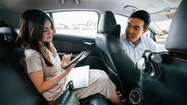 Lyft Uber ride sharing ridesharing taxi_1558604959325.jpg_88693748_ver1.0_640_360_1558614814338.jpg.jpg
