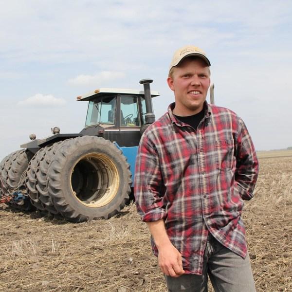 farmer-826912_960_720_1560349419303.jpg