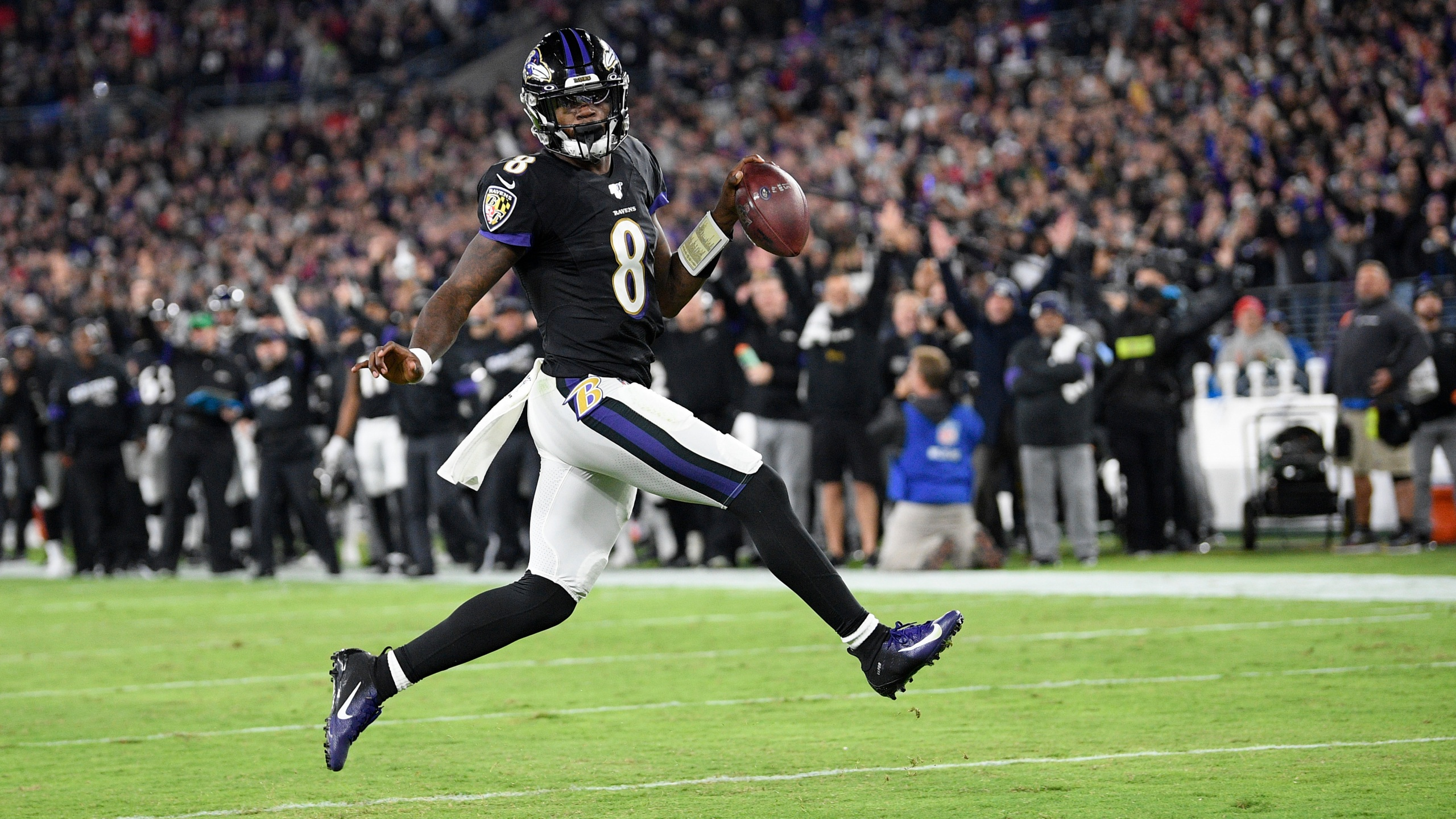 Unbeaten No More, Patriots Fall To Jackson And Ravens 37
