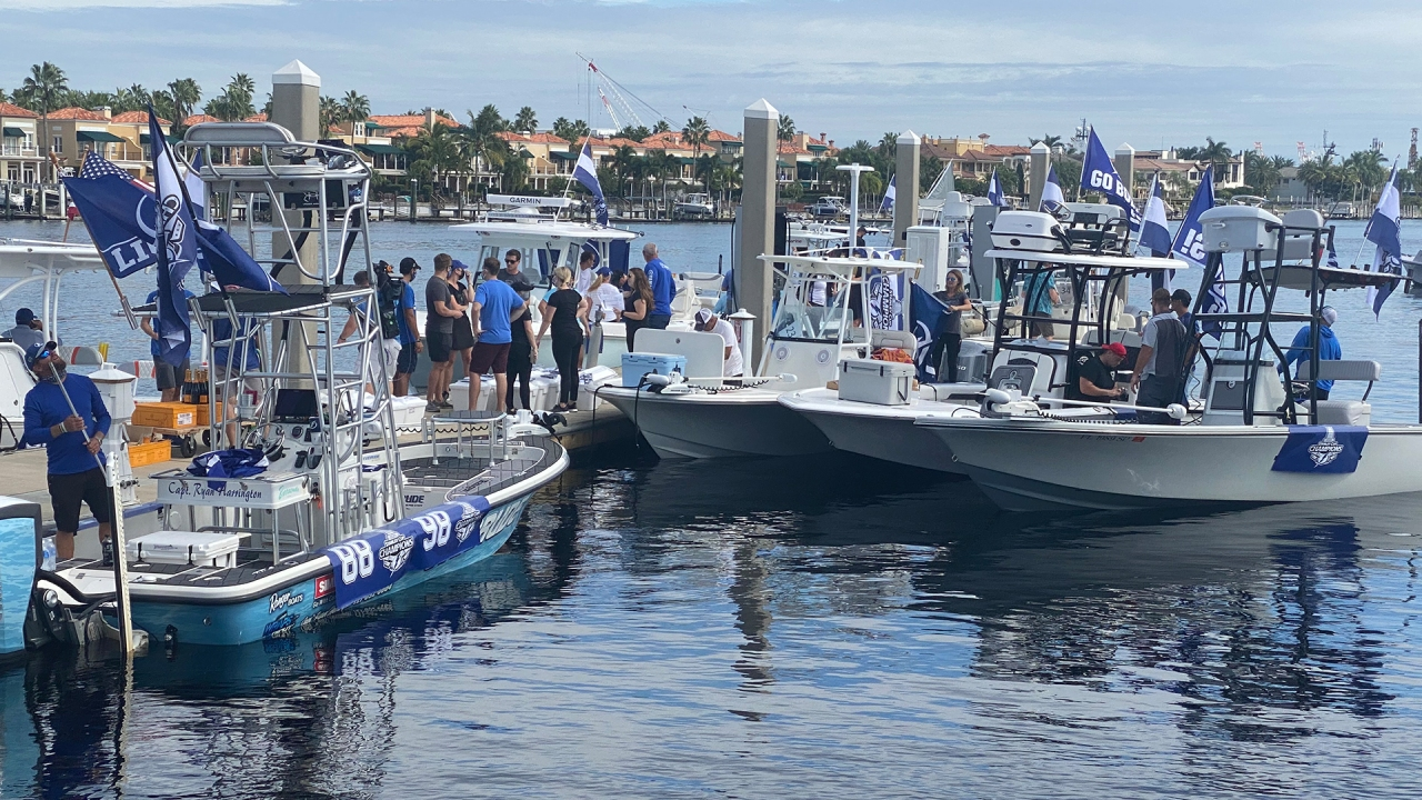2020 Tampa River Christmas Parade WATCH: Tampa celebrates Lightning's Stanley Cup win with boat