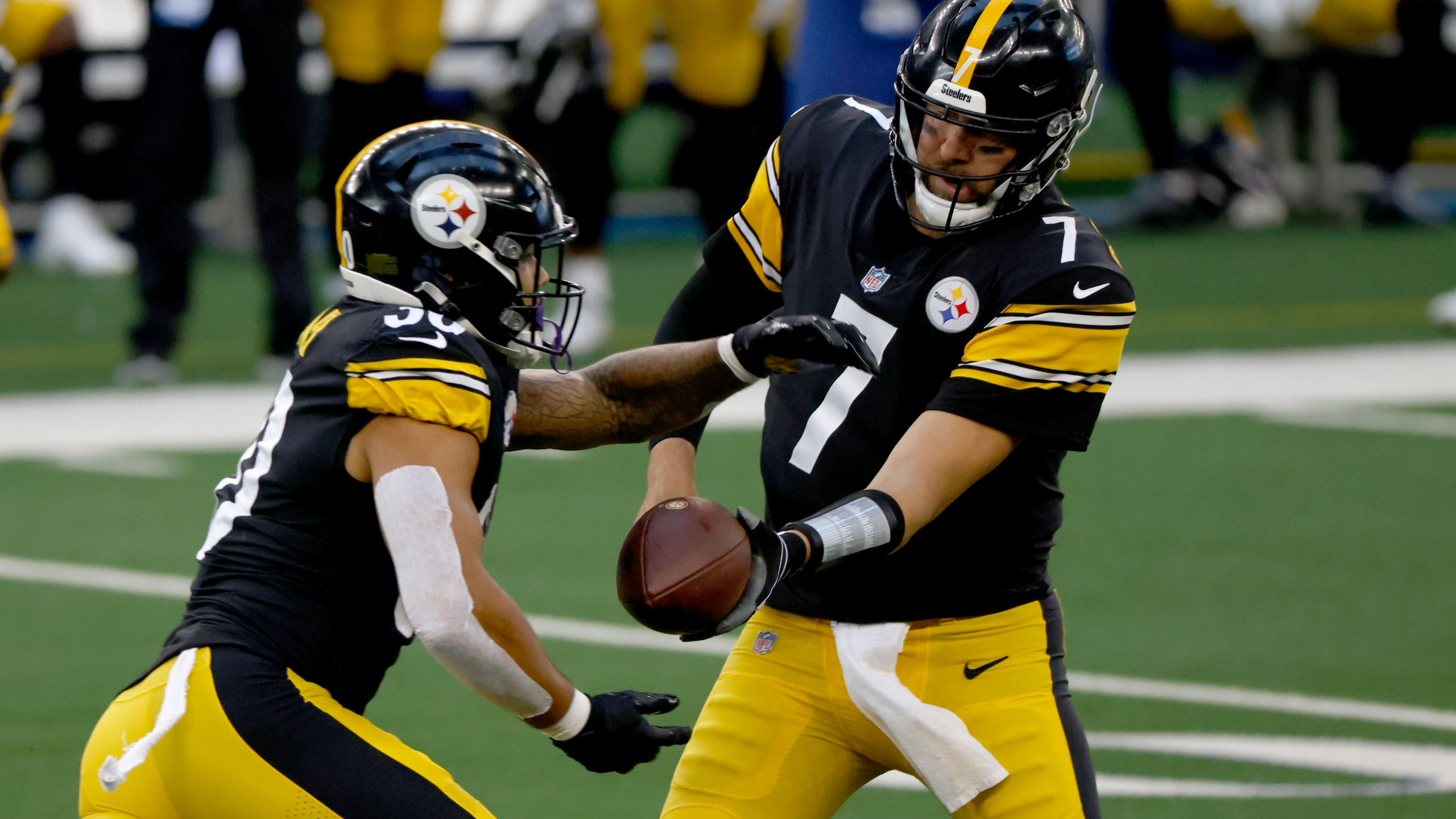 2020 Travel To Canada For Christmas With A Misdemeanor Steelers' Roethlisberger, 3 teammates go on COVID 19 list   WWTI