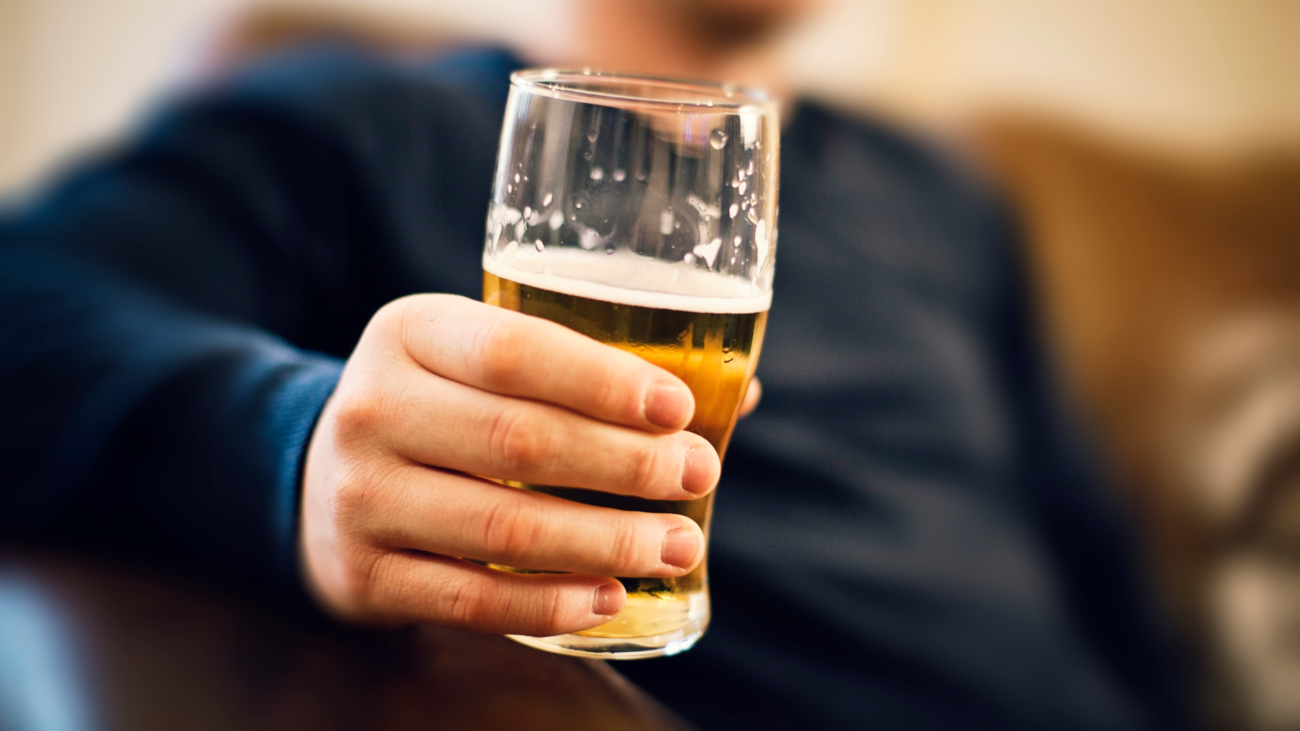 Today Is National Beer Day Here S How Much People Drink In A Week Wwti Informnny Com