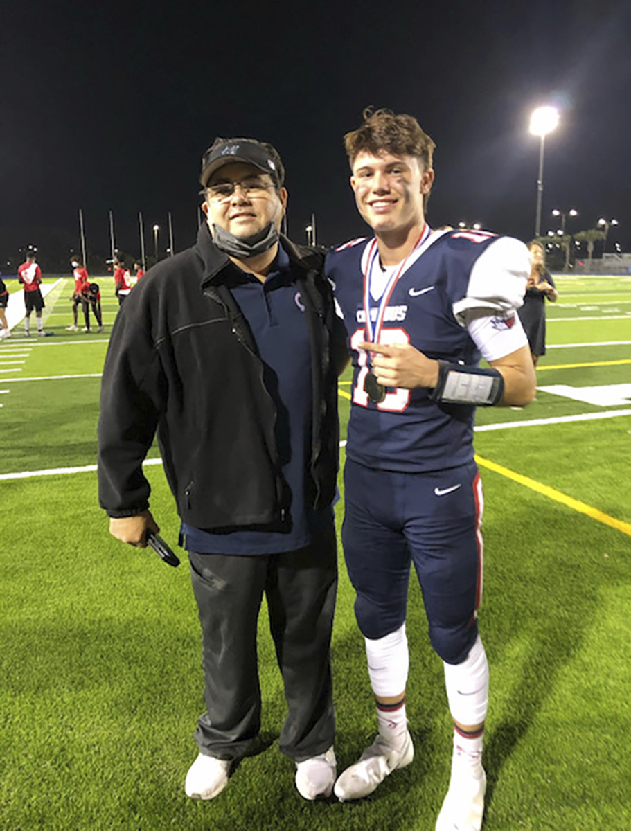 Miami teen's football game honors dad who died from COVID